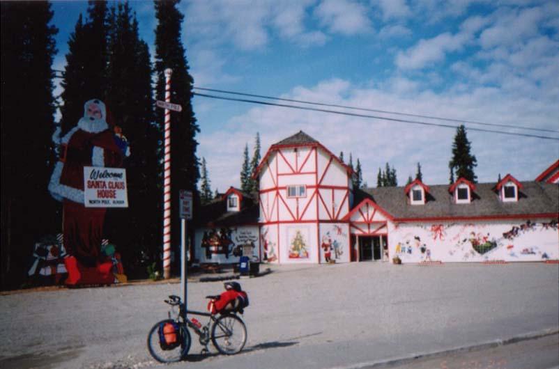 アラスカ/サンタクロースの町ノースポール