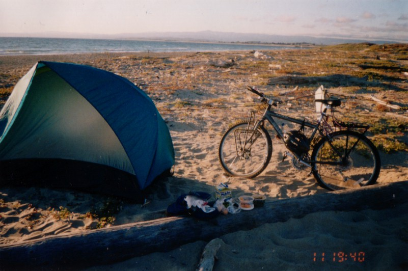 アメリカ/浜辺で野宿
