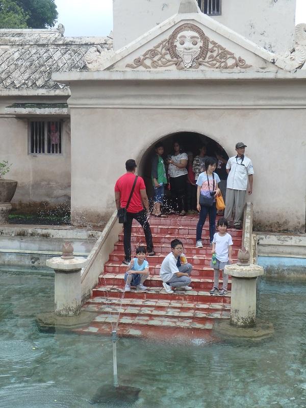水の離宮タマンサリ