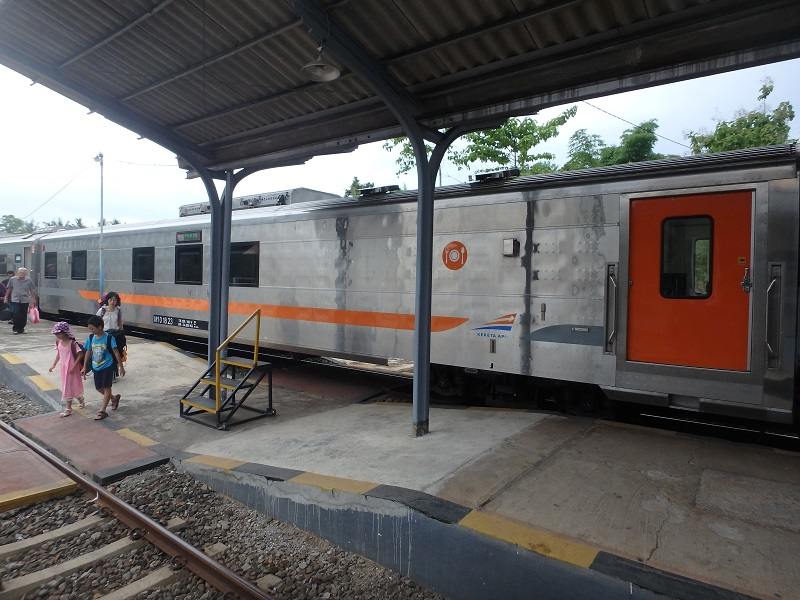 カランガセム駅