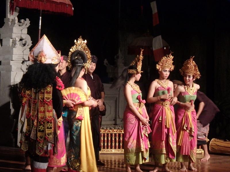 バリ舞踊のショー